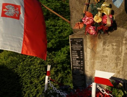 Uroczystości przy pomniku pamięci rodziny Solarzów