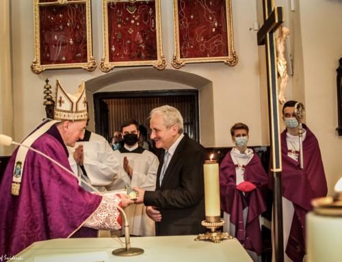 Dr Jan M. Gładysz odznaczony przez Papieża Franciszka złotym medalem Benemerenti